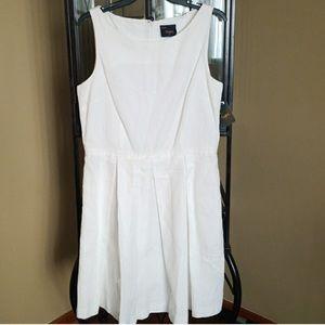 🆕 White Taylor Dress